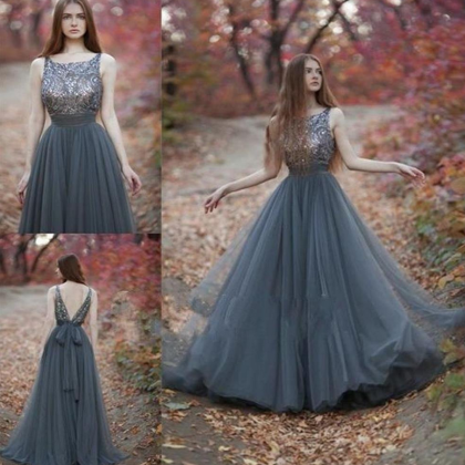 Charming V-Back Tulle Rhinestone Be..
