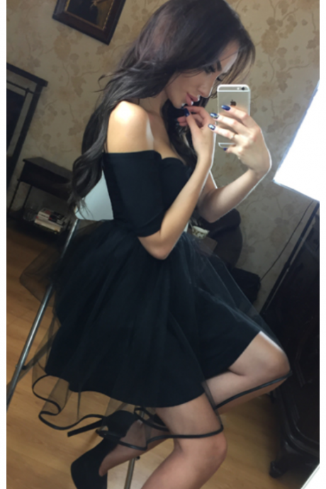 Fashion A-Line Off-The-Shoulder 3/4 Sleeves Black Short Homecoming Dress With Tulle