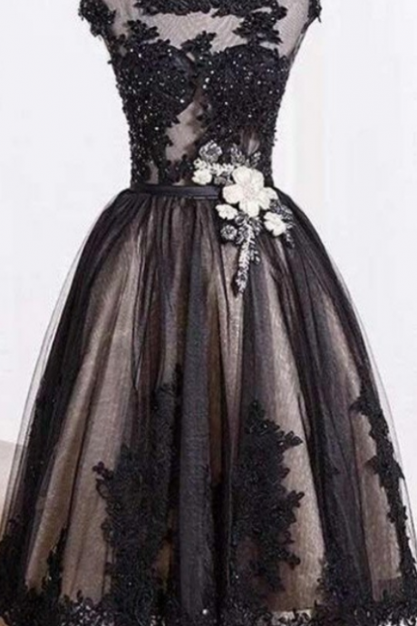 Black Lace Tulle Zipper Back A-line Handmade Homecoming Dresses