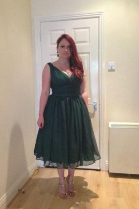 Elegant Emerald Green 1950s Vintage Tea Length Plus Size Chiffon V Neck Sleeveless Simple Overlay Prom Gowns
