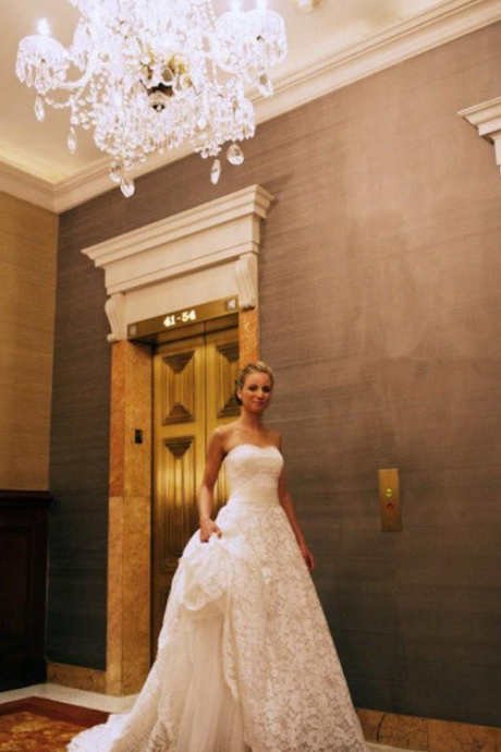 White Wedding Dresses,Strapless Wedding Gown,Lace Wedding Gowns,Princess Bridal Dress,Ball Gown Wedding Dress,Beautiful Brides Dress,Romantic Wedding Gowns For Spring Summer
