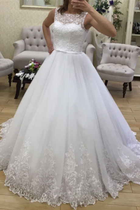 Romantic Scoop Neck Appliques Court Train Ball Gown Wedding Dresses