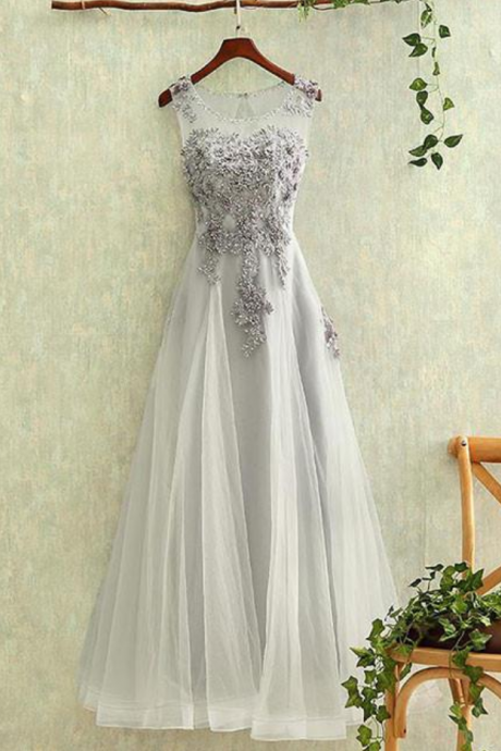 Elegant Grey A-line Round Neck Applique Tulle Long Prom Dress