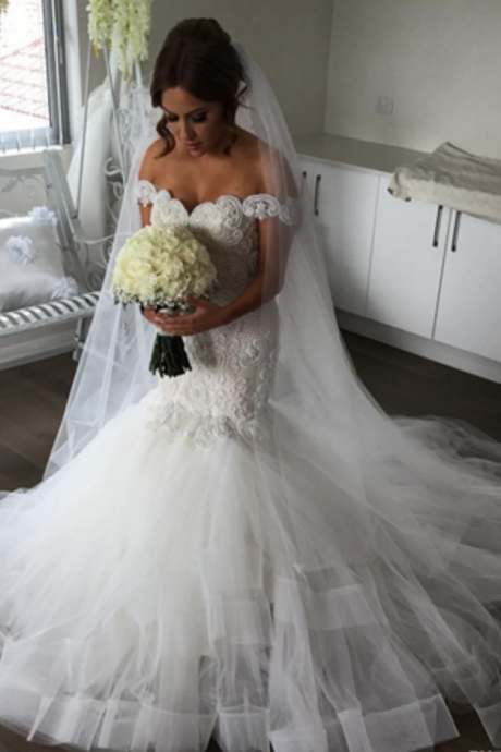 Off The Shoulder Mermaid Wedding Dresses Sexy Berta Backless Lace Appliqued Beads Trumpat Tiered Ruffles Bridal Gowns