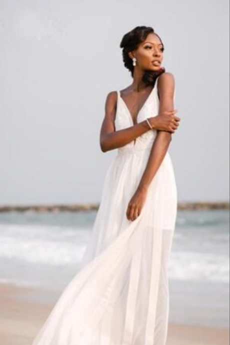 Cheap wedding dresses ,Sexy Plunging Neckline Beach Wedding Dress