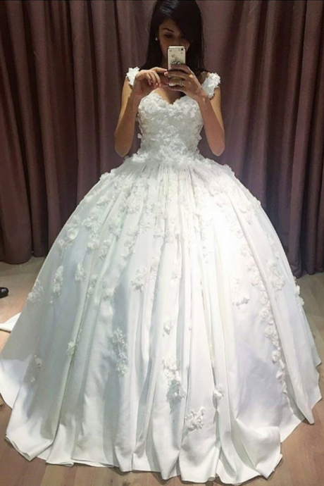V Neck Lace Appliqued Quinceanera Dresses, Bridal Dresses Ball Gowns,White Floor Length Prom Dresses,Elegant Satin Wedding Dresses