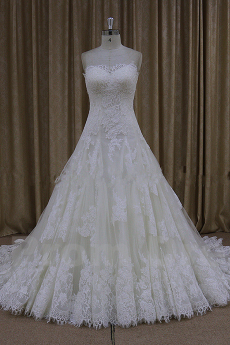 Luxury A-Line Sweetheart Wedding Dresses Open Back Chapel Train Princess Top Applique Tulle Bridal Gowns White/Ivory
