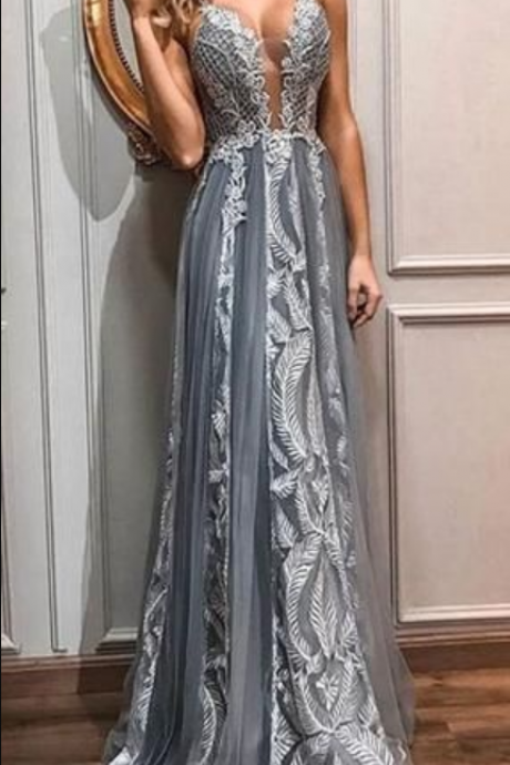 Sexy V-neck Charming Spaghetti Straps Long Cheap With Appliques Prom Dresses