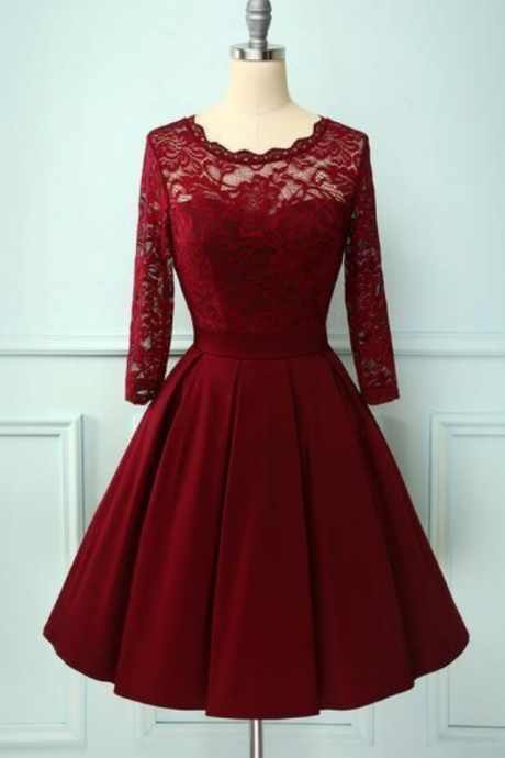 Burgundy Scoop Neck Lace Short Homecoming Dress