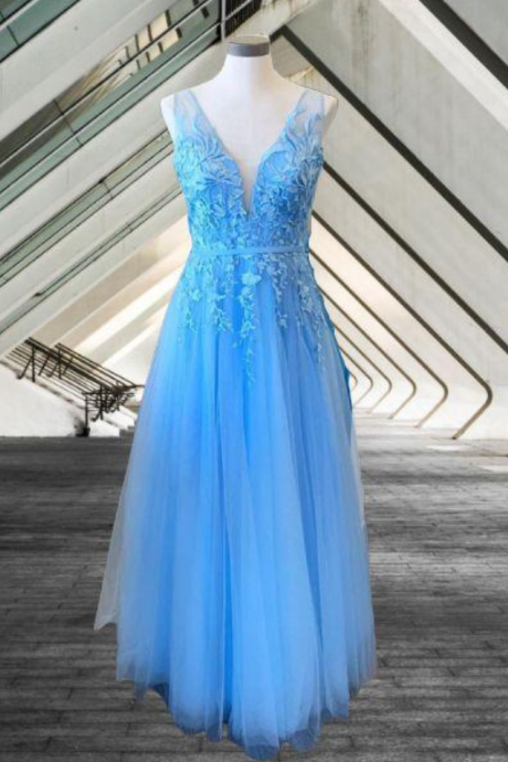 prom dresses, long tulle prom dresses, appliqued prom dresses, elegant formal gown