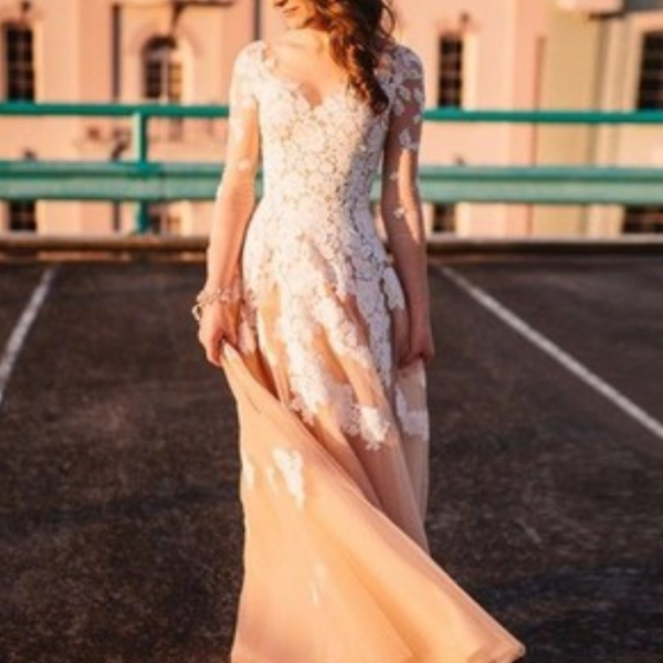 Gorgeous Long Sleeves Champagne Prom Dress with Lace Appliques