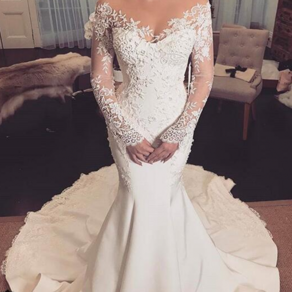 Mermaid Satin Wedding Dresses Scoop Sheer Long Sleeve Lace Appliques Gorgeous Bridal Gowns