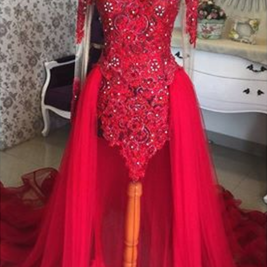 High Neckline Long Sleeves Lace Appliqued Red Muslim Bridal Dresses,Pearls Sequins Vintage Wedding Dresses