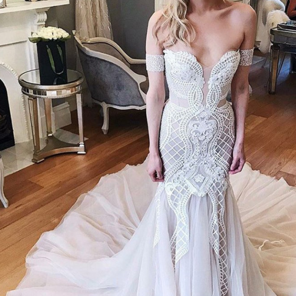 Off-the-Shoulder Lace Mermaid Wedding Dress with Chapel Train