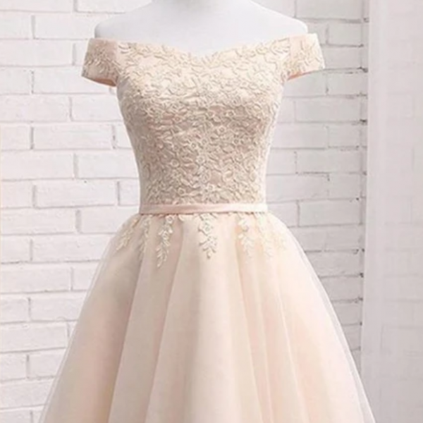 A Line Off Shoulder Tulle Short Homecoming Dress with Appliques, Mini Sweet